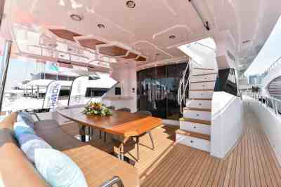 Majesty 90 Aft Area Seating