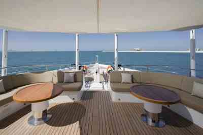Majesty 140 Bow Seating Area