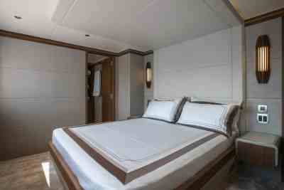 Majesty 140 Forward Double Guest Stateroom