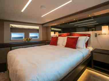 Nomad 75 SUV Forward VIP Stateroom