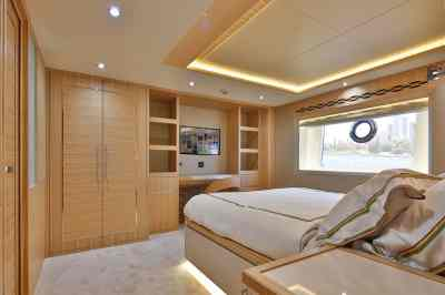 Nomad 65 Owners Cabin