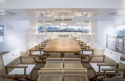 Majesty 155 Sun Deck Seating Area
