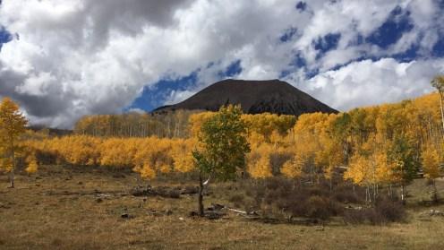 Der Mount Peale im Hintergrund