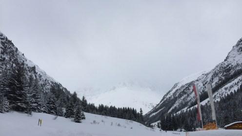 Blick hinauf zum Gletscher
