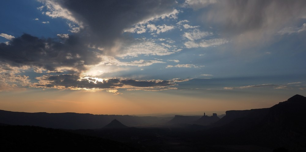 Sonnenuntergang mit Blick ins Castle Valley
