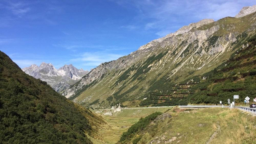 Die Arlbergpassstrasse kurz vor Sankt Christoph