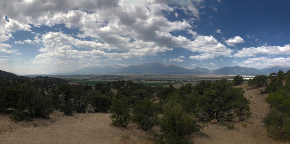 Blick nach Buena Vista und die Rocky Mountains