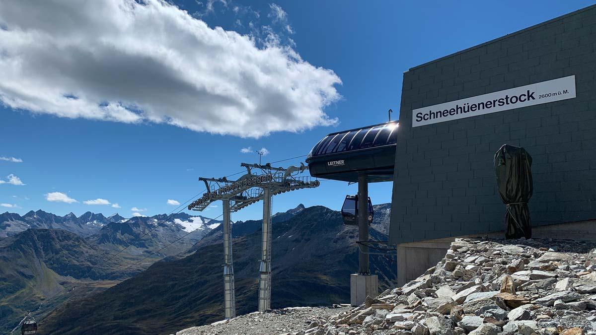 Bergstation der Schneehüenerstock Bahn