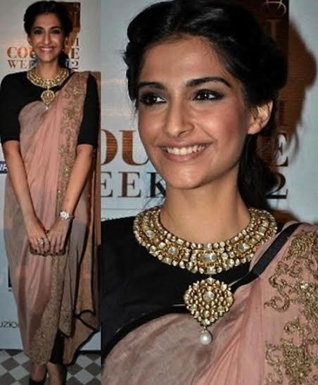 Six unique ways to accessorize a saree