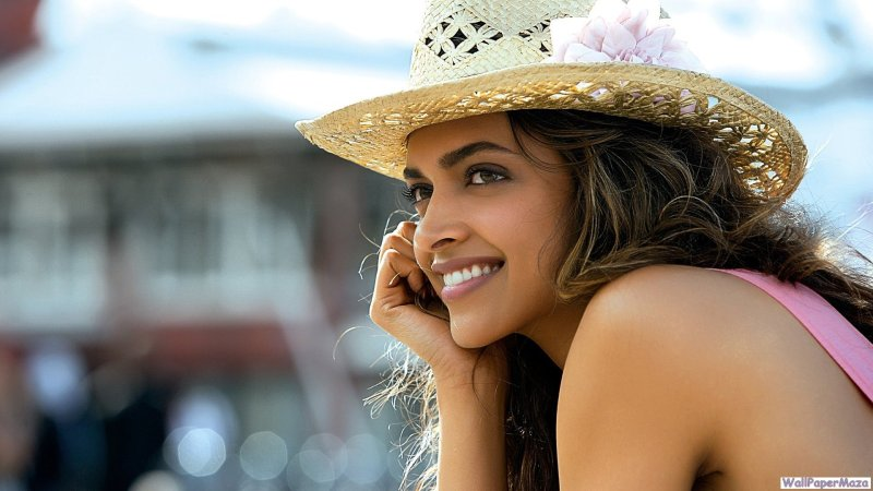 wallpapers-hot-padukone-deepika-gallery-cocktail-movie-latest
