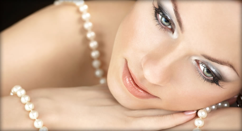 pearl jewellery is in trend, flatters complexion