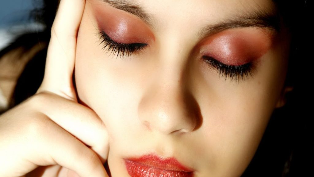 Alluring Tips to Make Your Skin Glow