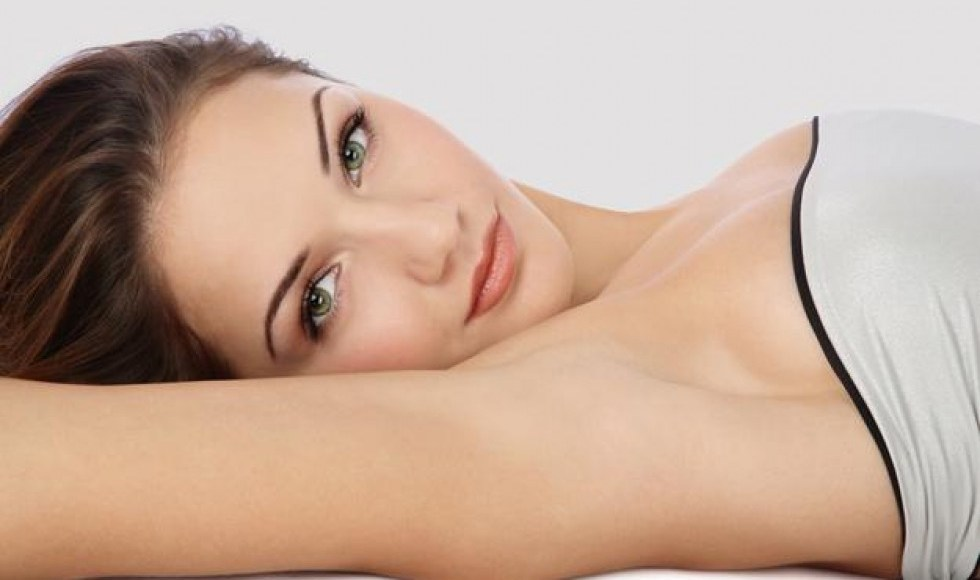 Tips and Tricks to Lighten Dark Underarms