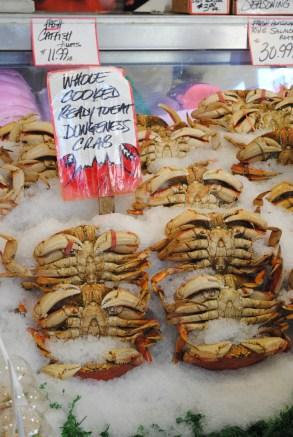 seattle farmers market fresh crab