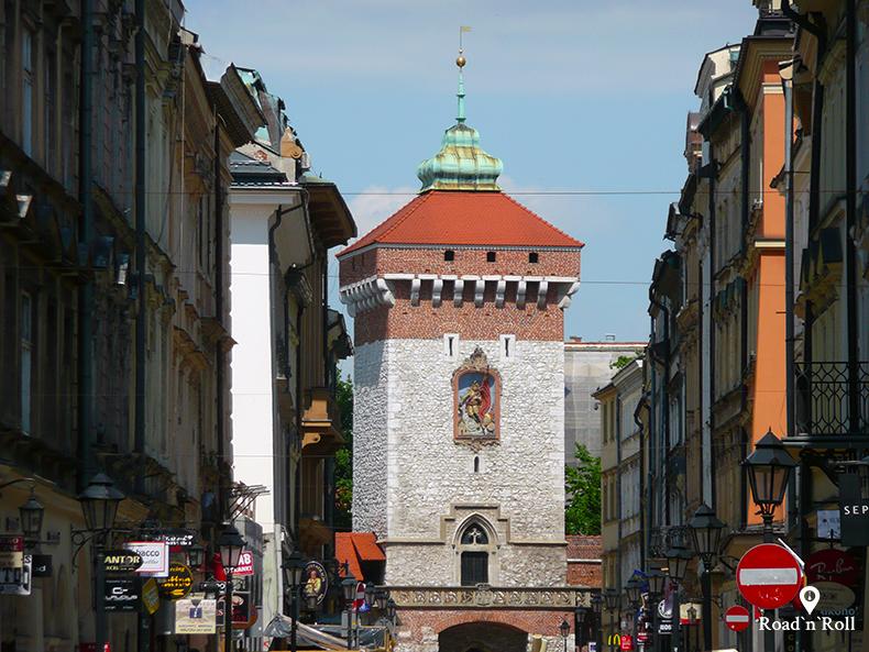 brama floriańska w piosenkach o krakowie