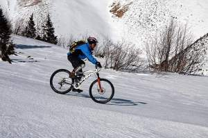 Biking In Winter-Few Things You Need To Know Before You Go Out
