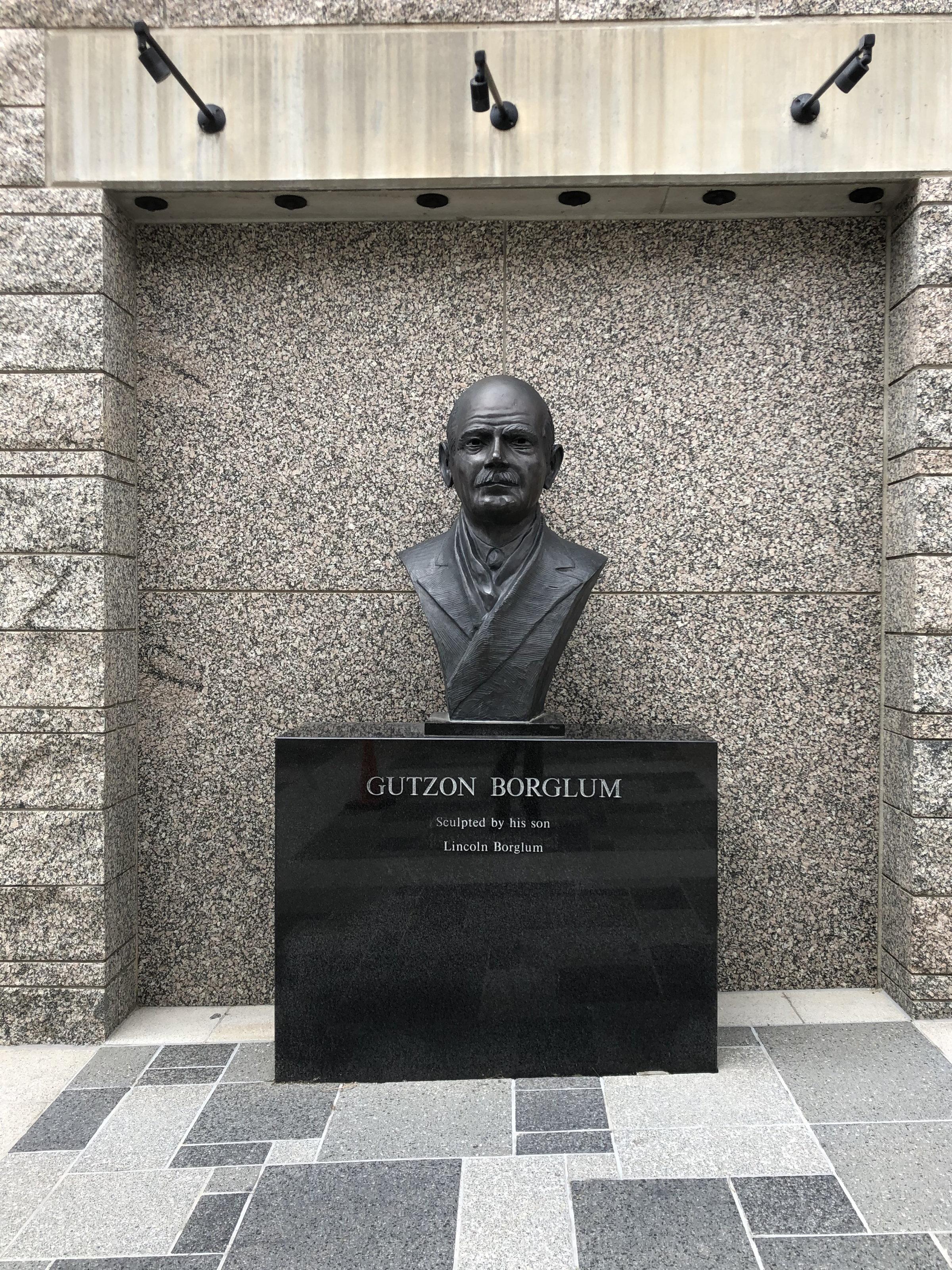 A bust of Gutzon Borglum