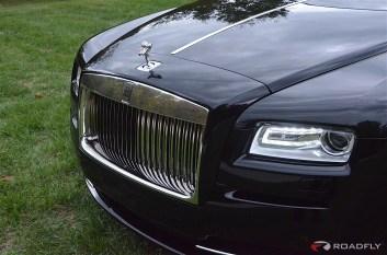 2016-Rolls_Royce_Wraith.30