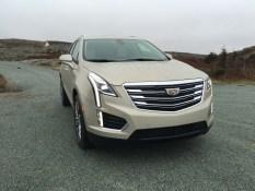 2017-Cadillac-XT5-02022