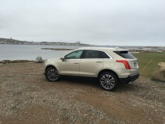 2017-Cadillac-XT5-0208