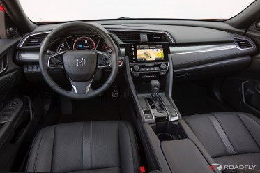 2017-Honda-Civic-Hatchback-08