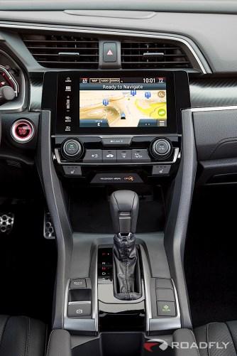 2017-Honda-Civic-Hatchback-09
