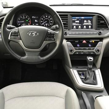 2017-Hyundai-Elantra-Eco-13