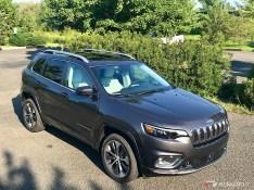 2019-Jeep-Cherokee-Overland-04