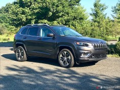 2019-Jeep-Cherokee-Overland-05