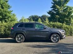 2019-Jeep-Cherokee-Overland-06
