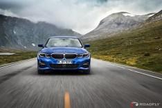 2019-BMW-3-Series-330i-330xi-03