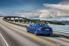 2019-BMW-3-Series-330i-330xi-14