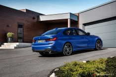2019-BMW-3-Series-330i-330xi-22
