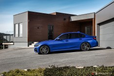 2019-BMW-3-Series-330i-330xi-23
