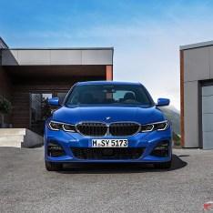 2019-BMW-3-Series-330i-330xi-24