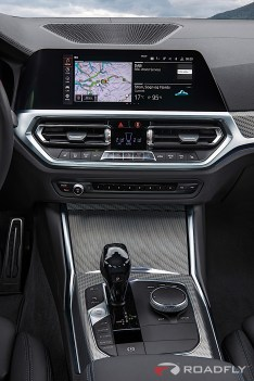 2019-BMW-3-Series-330i-330xi-38