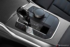 2019-BMW-3-Series-330i-330xi-40