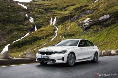 2019-BMW-3-Series-330i-330xi-49