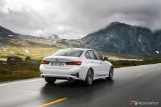 2019-BMW-3-Series-330i-330xi-50