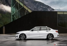 2019-BMW-3-Series-330i-330xi-60
