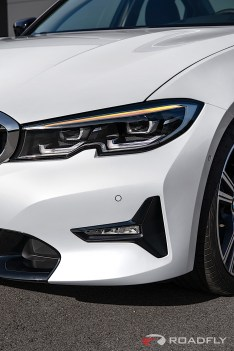 2019-BMW-3-Series-330i-330xi-68