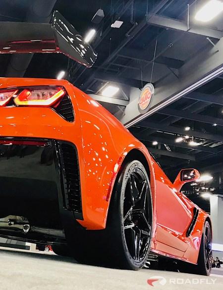 2019-Chevrolet-Corvette-ZR1-04