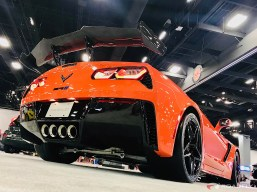 2019-Chevrolet-Corvette-ZR1-16