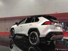 2019-Toyota-RAV4-05