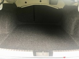 2019-VW-Jetta-SEL-Premium-White-Silver-13