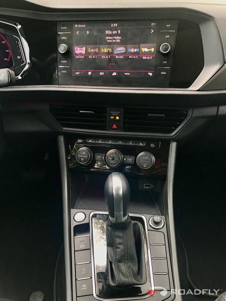 2019-VW-Jetta-SEL-Premium-White-Silver-18