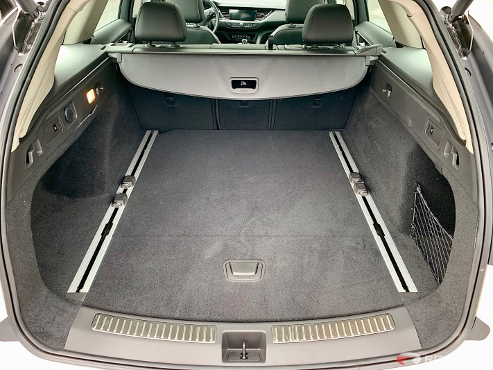 buick-tourx-interior-cargo-space