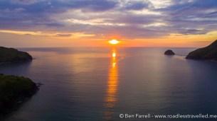 sunset-at-anawangin-cove-7