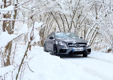mercedes benz gla 45 amg wild snow forestice track alpes d'huez evodriver road rug cars roadrugcars brothers car voiture auto automobile suv car super car hyper car
