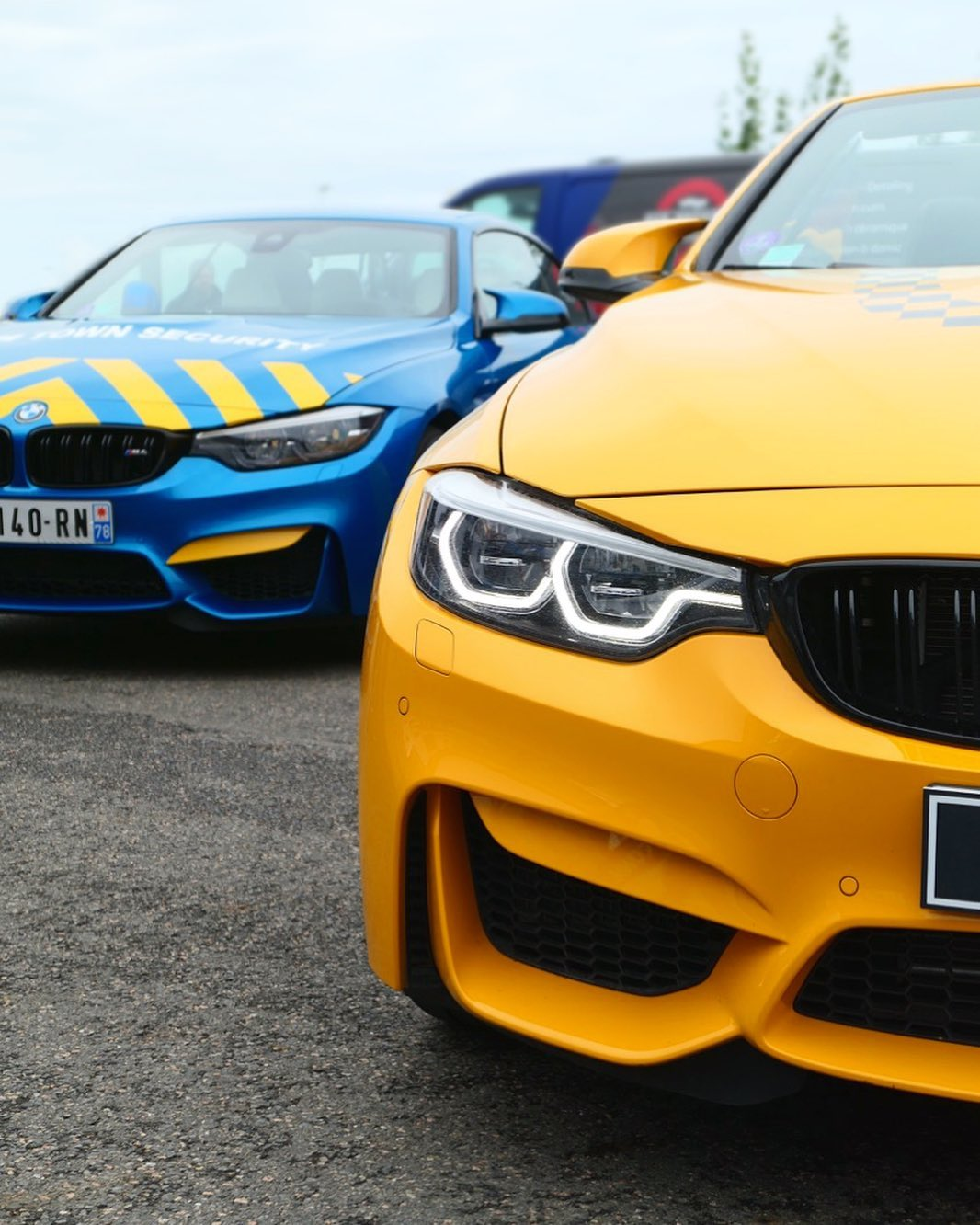 bmw m town M4 Cabriolet 30 Jarhe taxi and security road rug cars roadrugcars brothers car voiture auto automobile